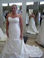 'Best Offer, Need to sell'. Gorgeous Essense Gown
