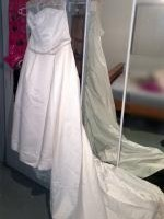 BNWT Beautiful Strapless Wedding Dress By Barbra Calabro