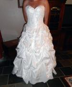 Beautiful Wedding dress Ivory size 14