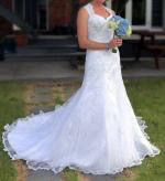White lace and embroidered wedding dress size 12-14