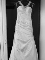 Essense of Australia size 10 Ivory gown