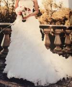 Stunning Strapless Wedding Gown by Pronovias Size 6