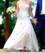 Ivory strapless A line Raffaele Ciuca Wedding Dress