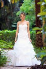 Beautiful Genuine Wendy Makin Size 10  'Cassidy' Wedding dress