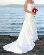 Elegant Strapless Wedding Dress by Essense of Australia