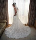 Essense of Australia STUNNING Ivory Lace wedding dress Size 7
