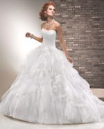 Beautiful 'Lara' Maggie Sottero wedding dress