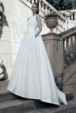 Elegant Raimon Bundo - DALI couture wedding dress