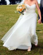 Karen Willis Holmes 'Madelyn' Size 10 Wedding Dress
