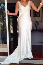 V neck Maria Gonzales Gown
