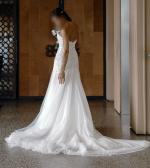 Gorgeous Watters Shaina 7042B  Wedding Dress