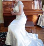 Stunning Henry Roth, Kaitlyn, Size 12 Wedding Dress