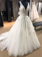 Beautiful Never Been Worn Custom Made Wedding Gown